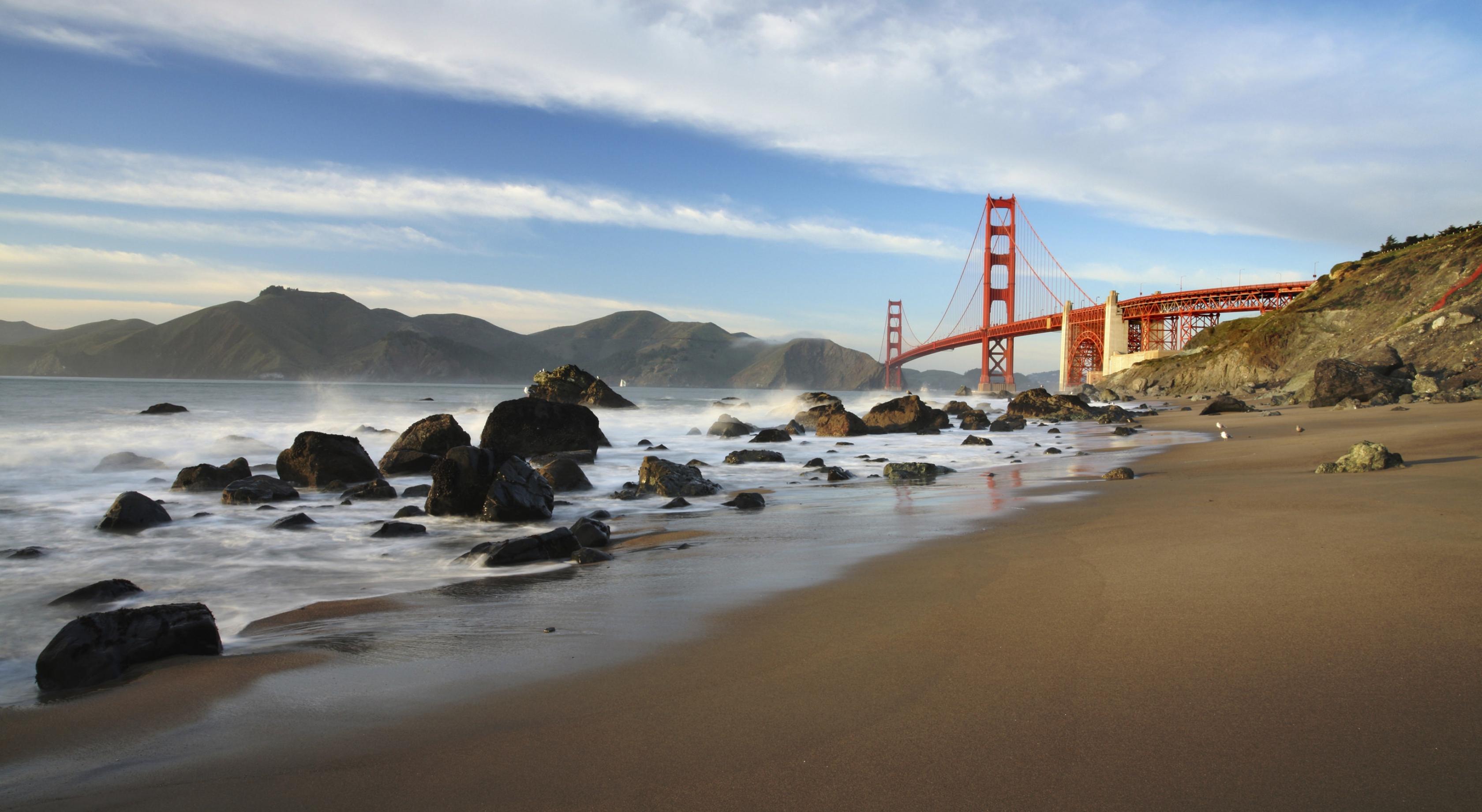 Una vista del puente Golden Gate de la playa de Marin.