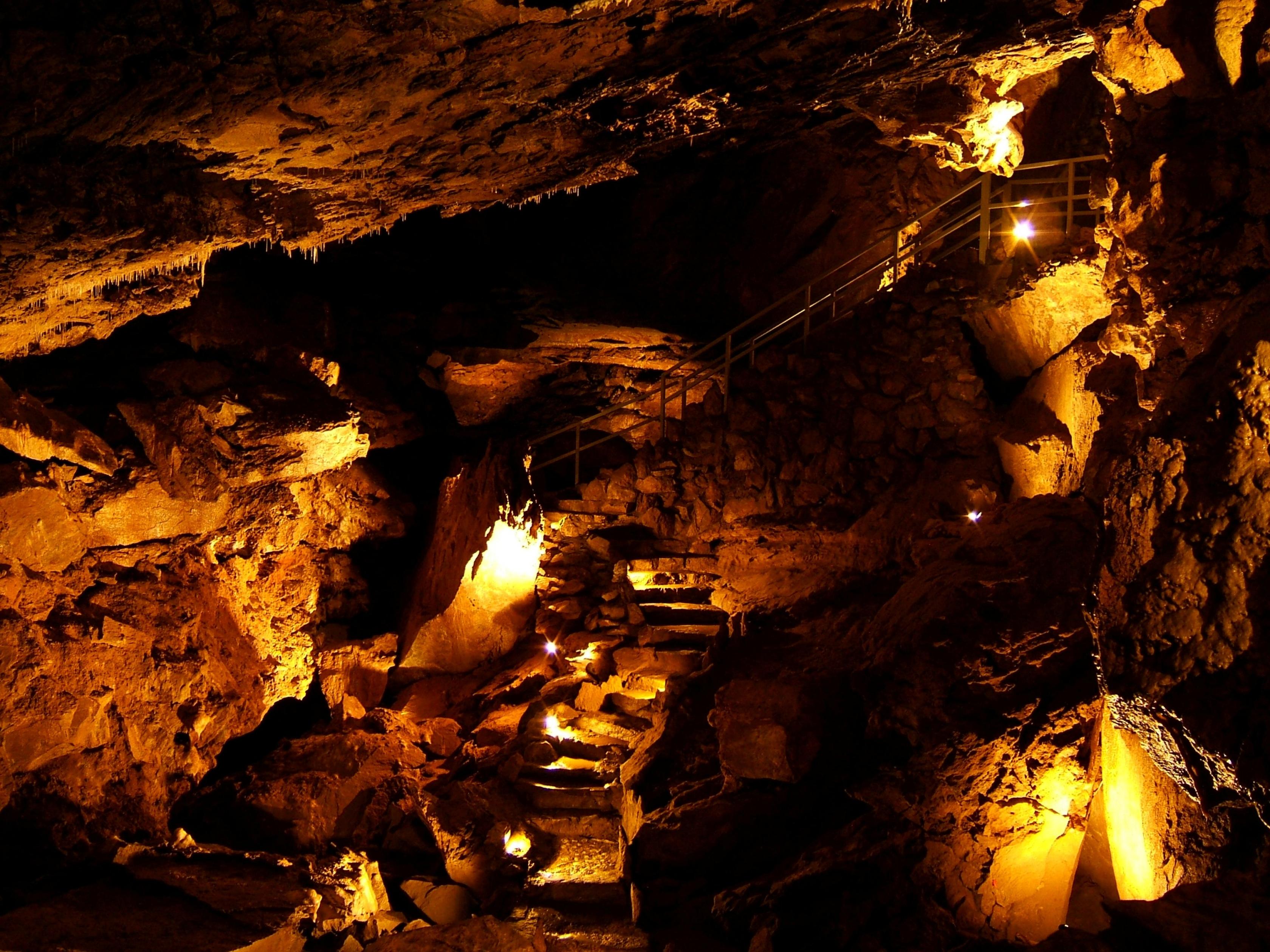 sala de fantasma en el monumento nacional Cuevas de Oregon.